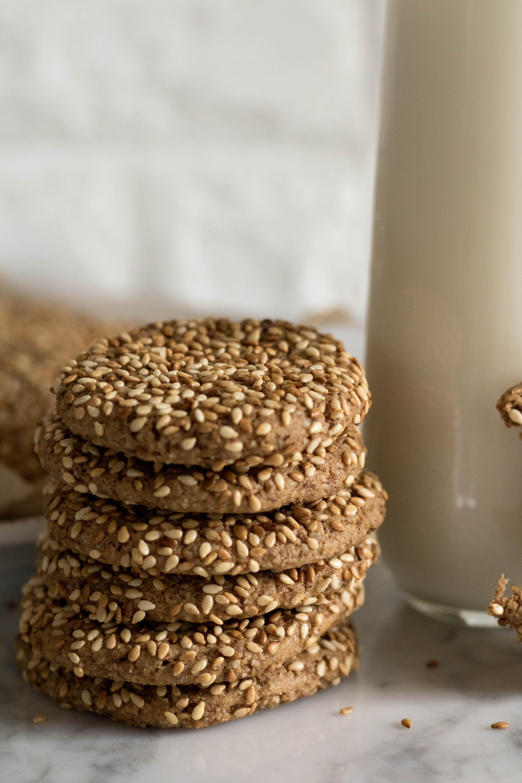 Tahini sesame seed cookies