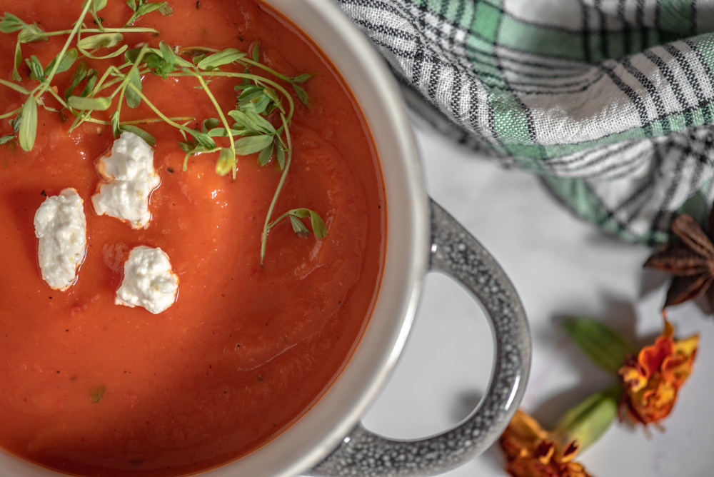 Pumpkin and roasted red peppers soup from cooking with wine