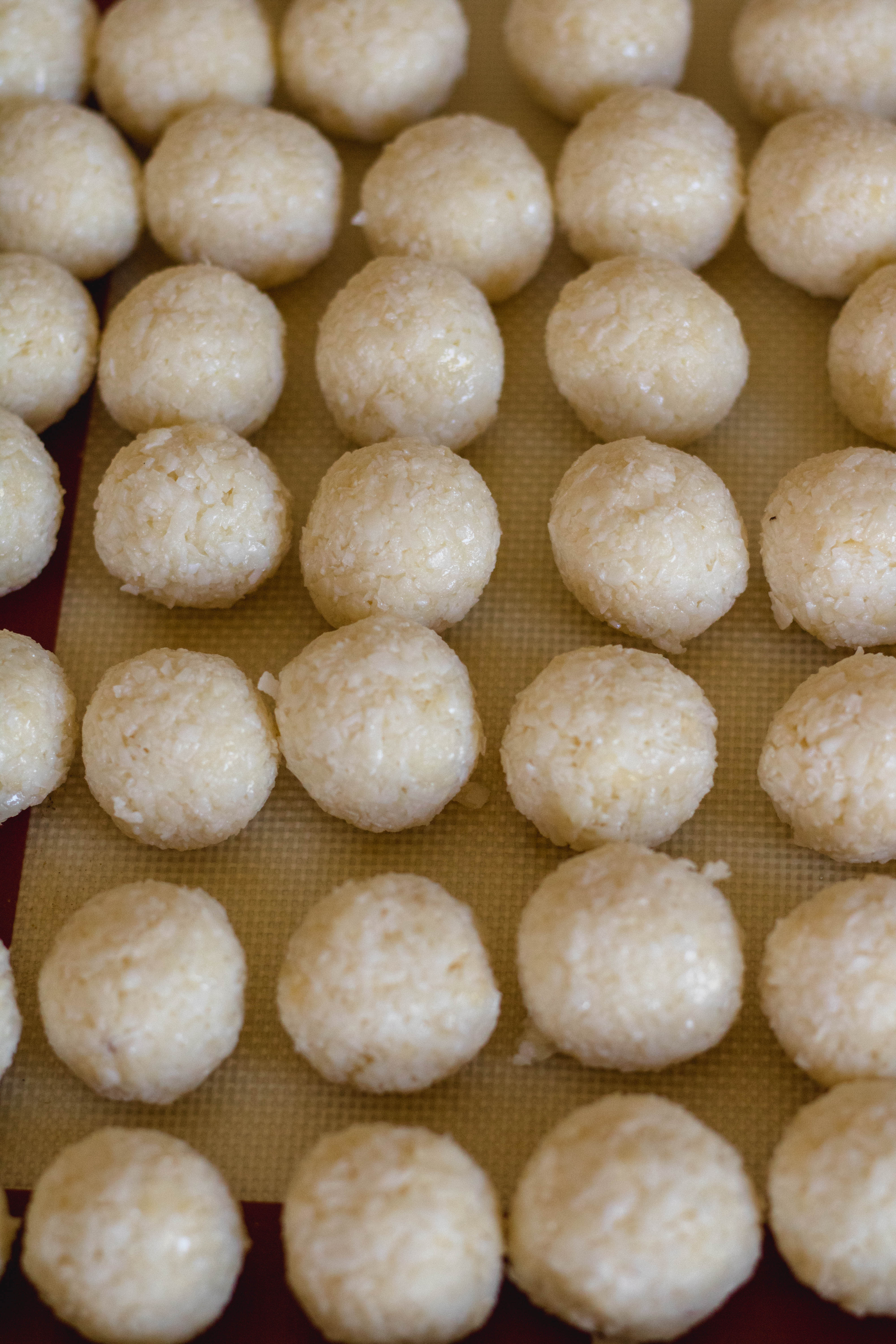 Rolled no bake coconut balls