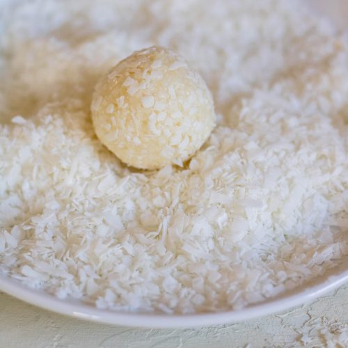 Perfect no bake coconut balls for the holidays