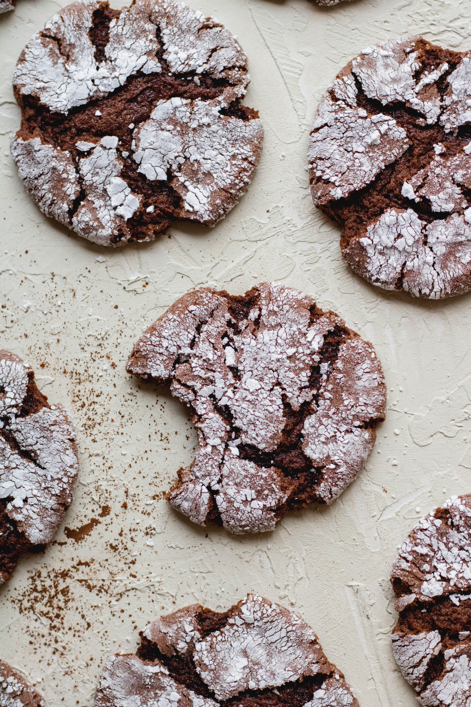Crinkle cake mix chocolate cookies