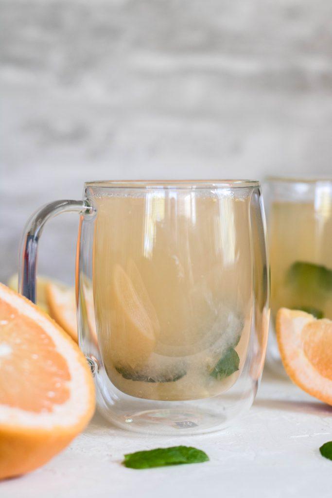 Warm deto grapefruit tea