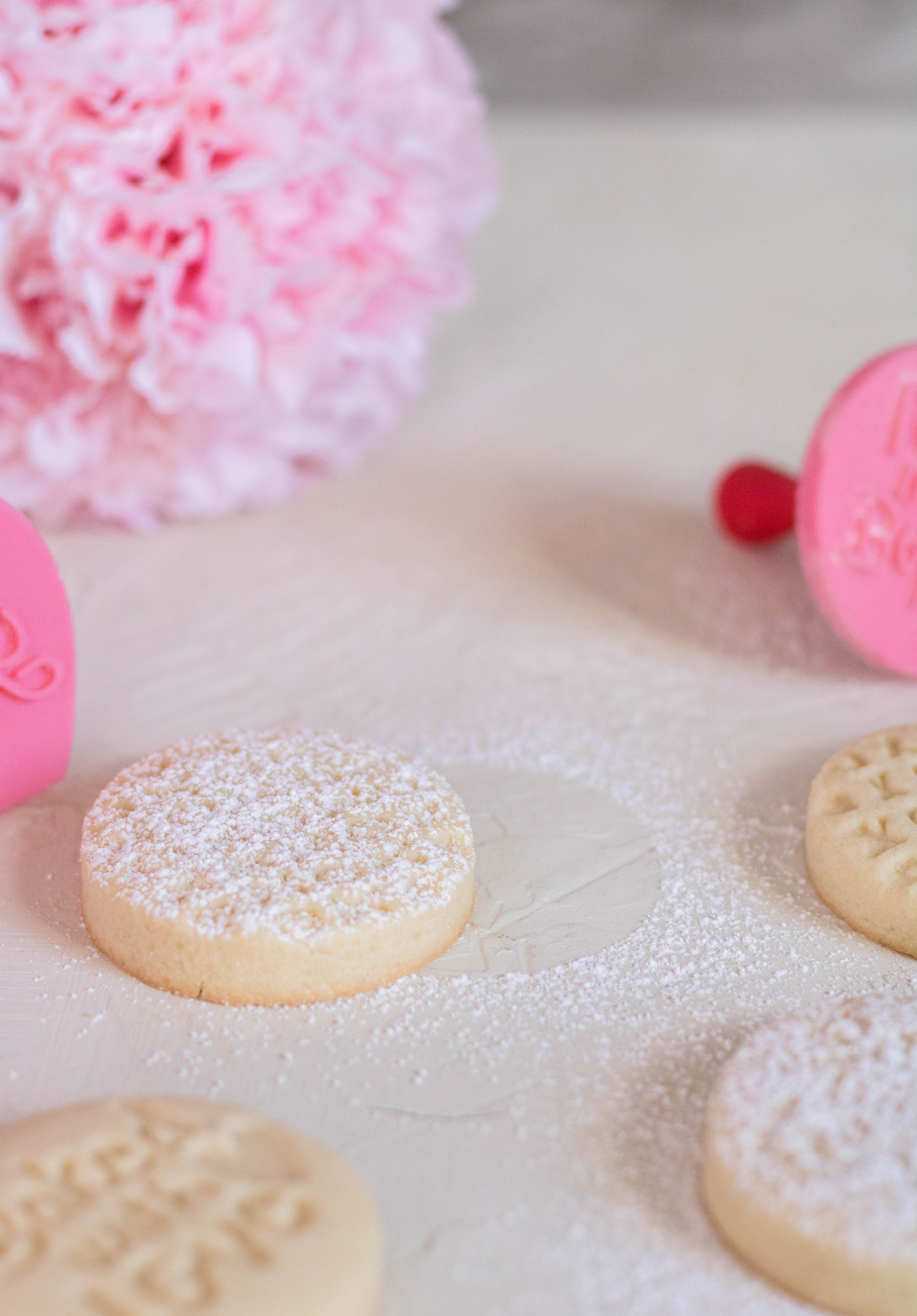 valentine'say shortbread cookies