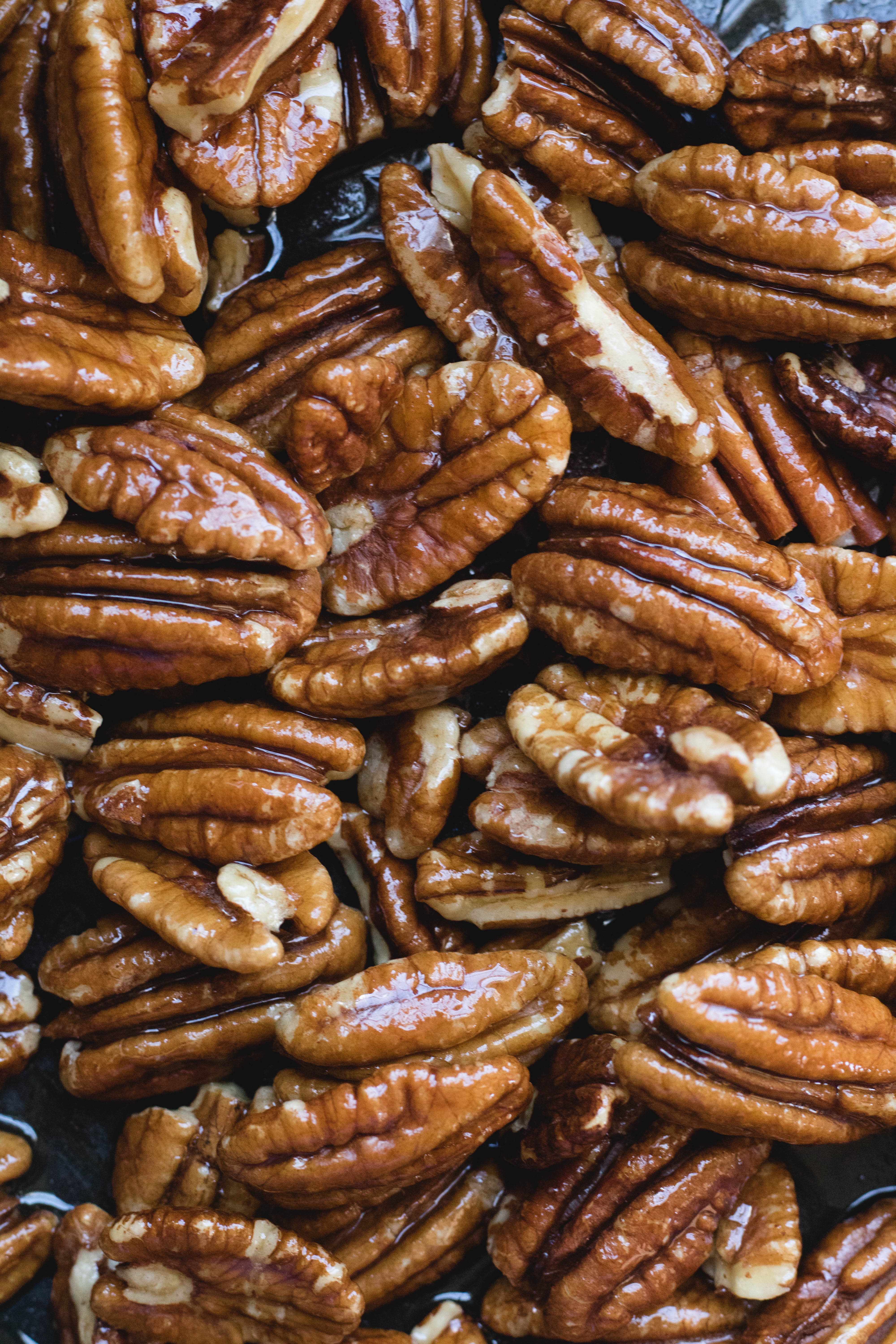 coated maple syrup pecans for candied pecans