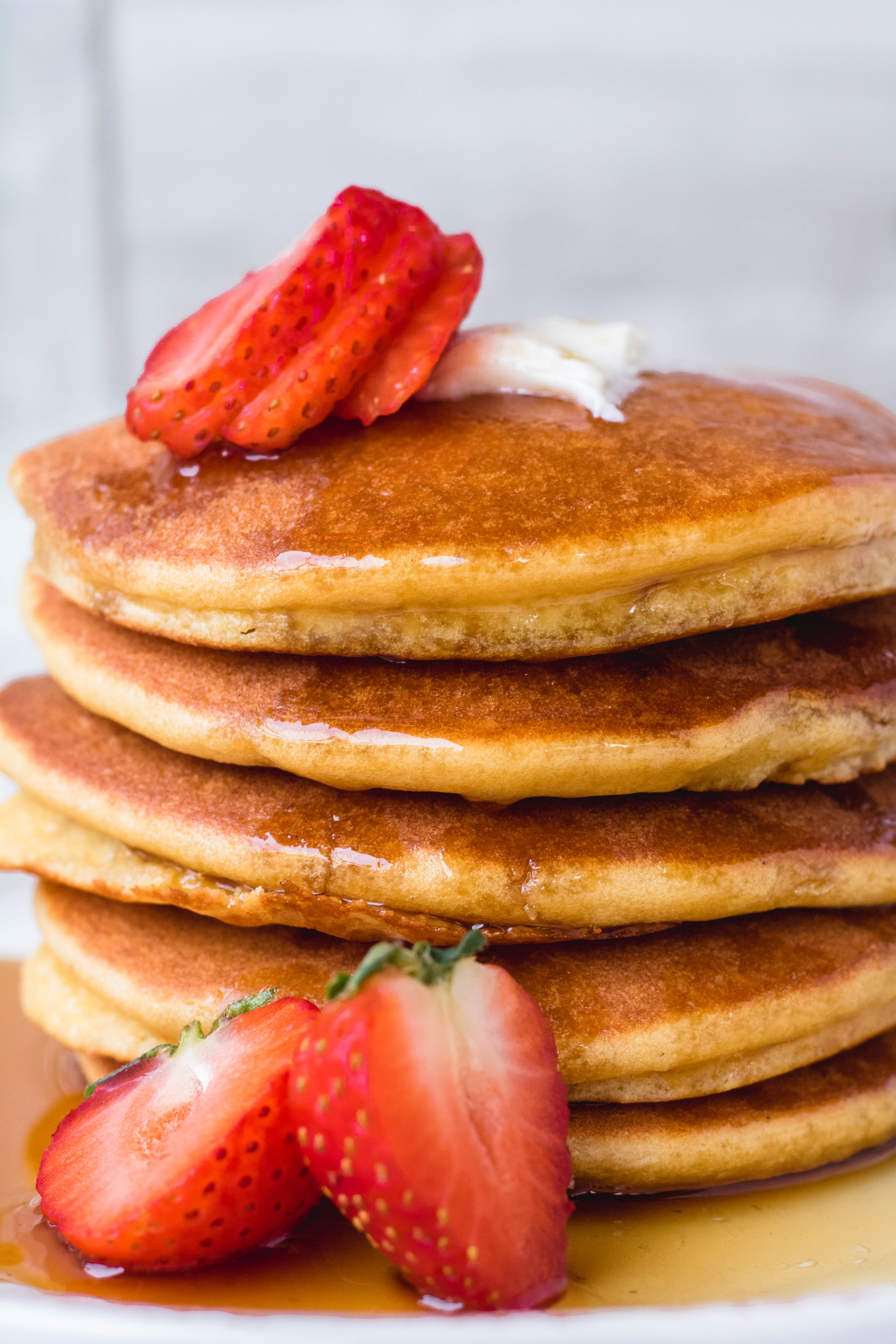 close up of the fluffy healthy  almond flour pancakes