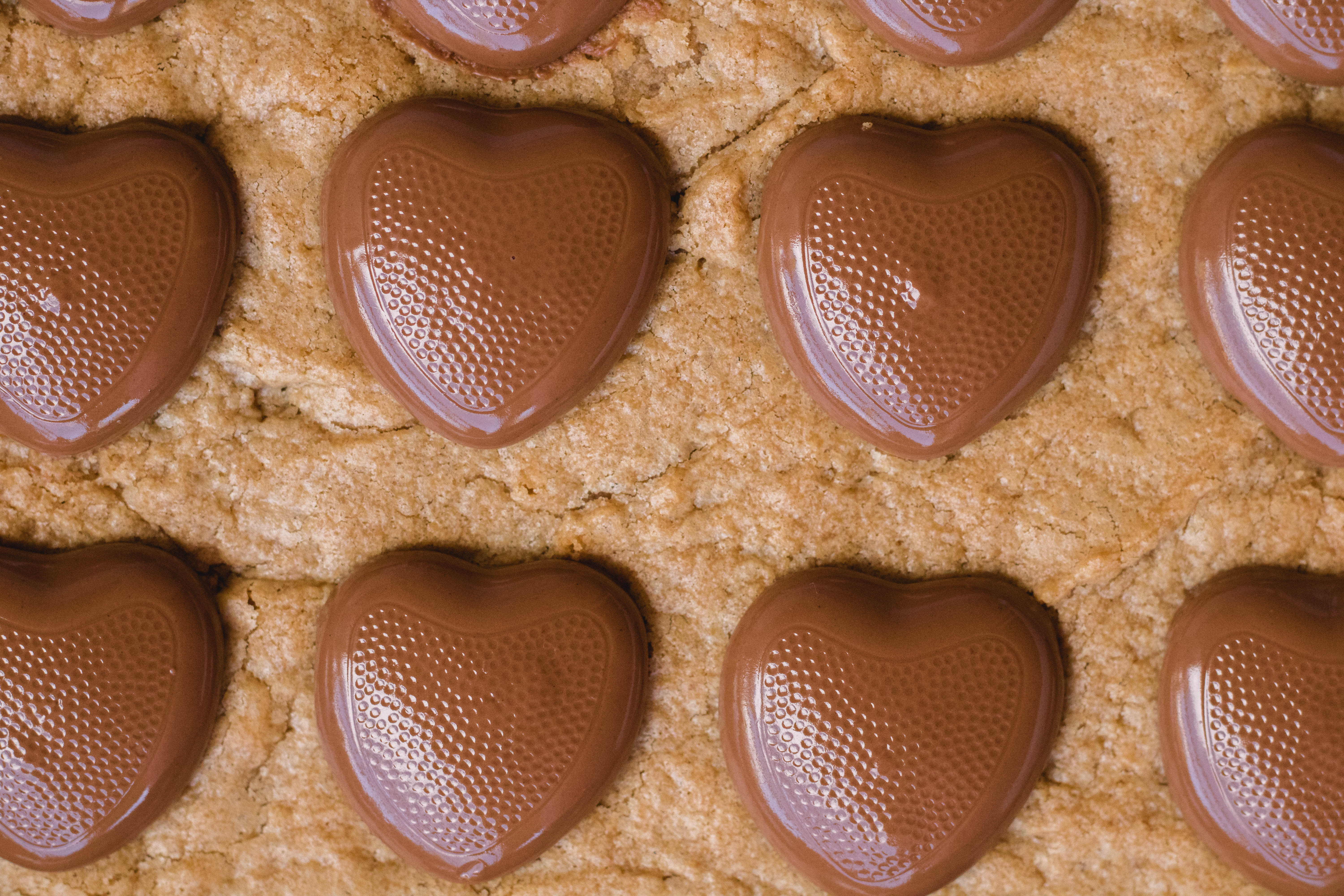 peanut butter blondies with Reese's chocolate hearts