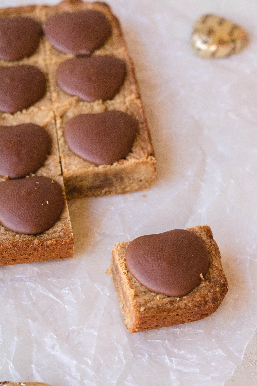 Peanut butter blondies for valentine's day