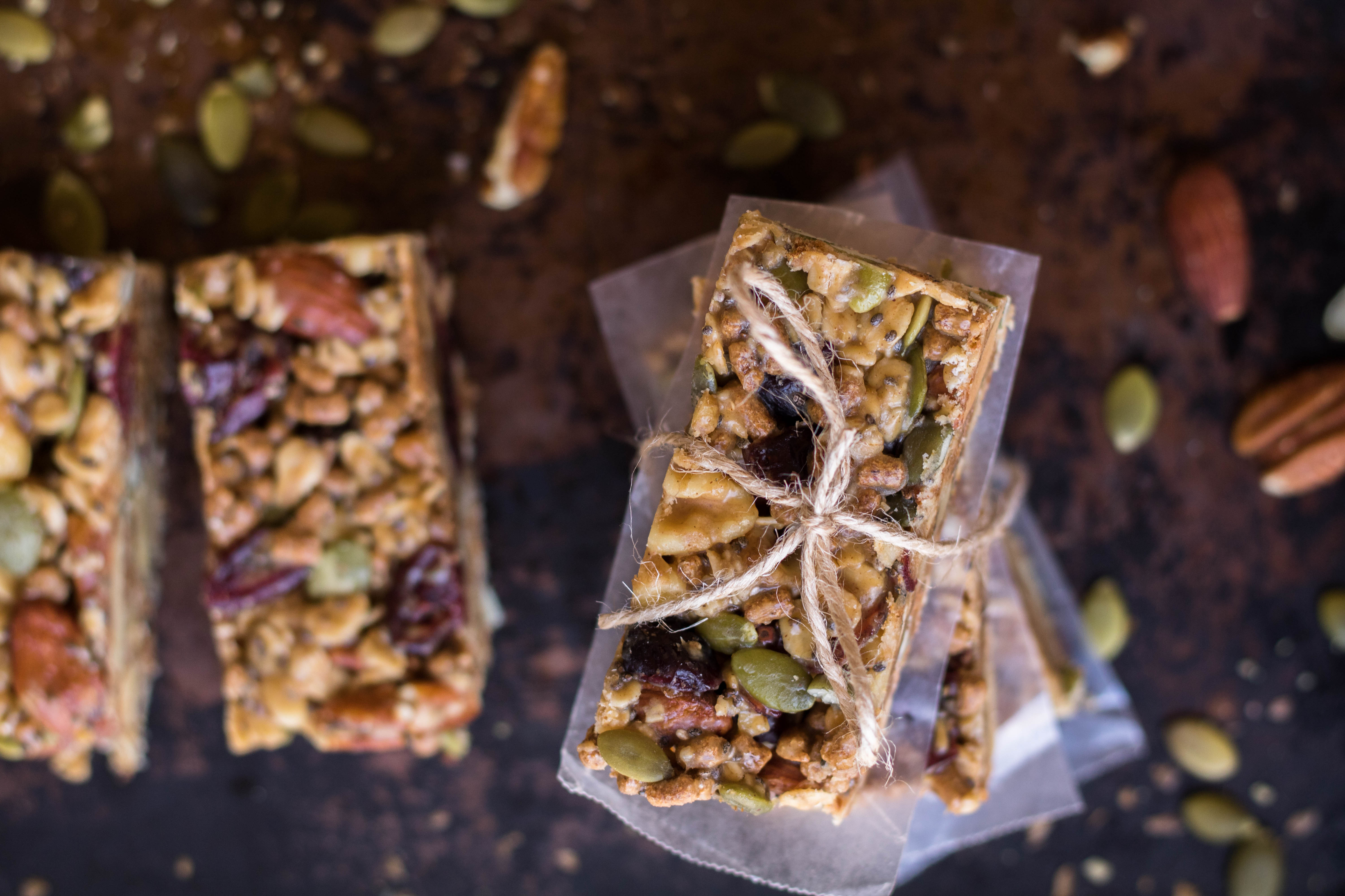 Ingredients to make Trail mix energy bars recipe