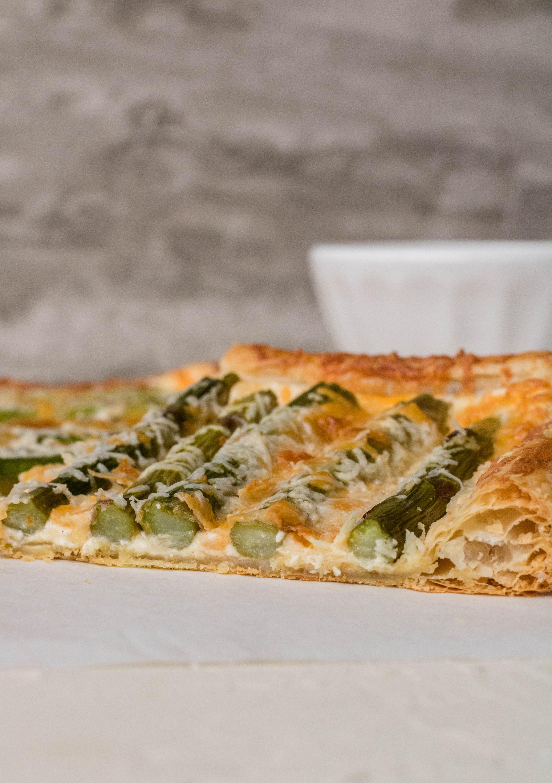 Asparagus tart appetizer
