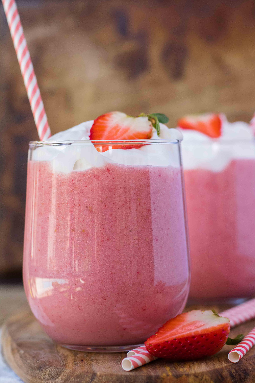 banana strawberry smoothie recipe with yogurt