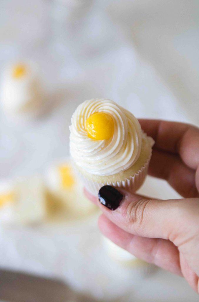 Mini lemon cupcakes