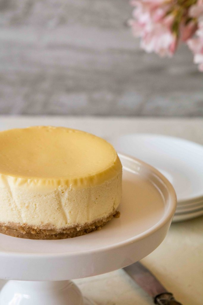 How to let a cheesecake cool down slowly