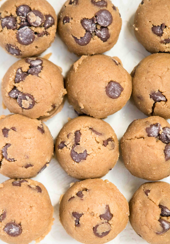 Sesame seed and sea salt on top of the tahini chocolate chip cookies