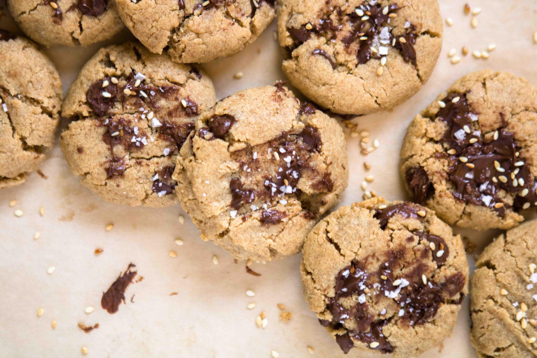 Sesame seed and sea salt on top of the tahini chocoalte chip cookies
