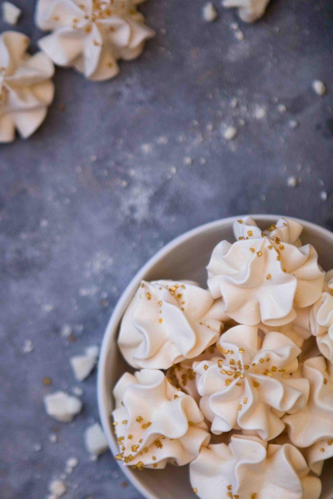 Simple vanilla meringue