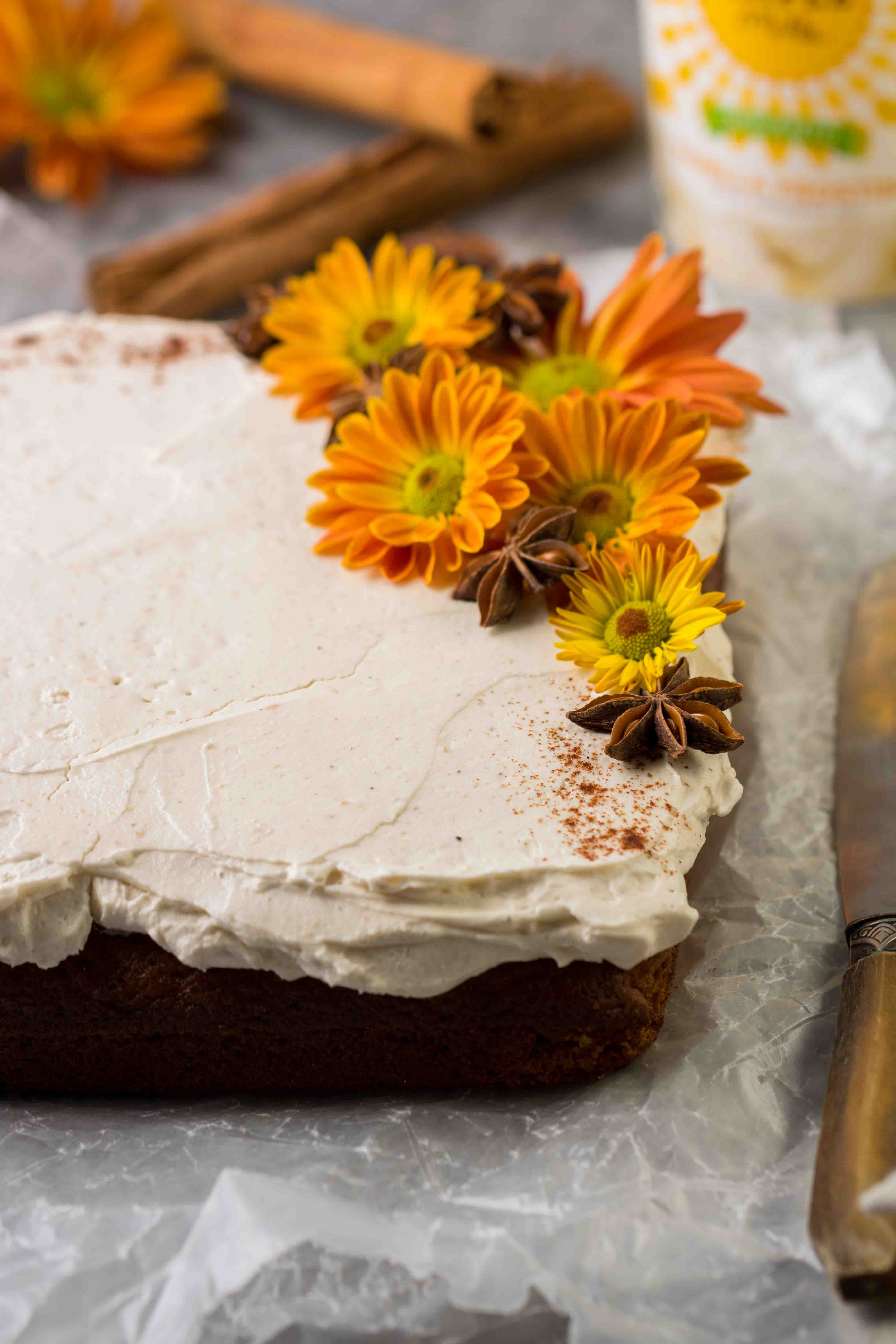 How to decorate pumpkin cake