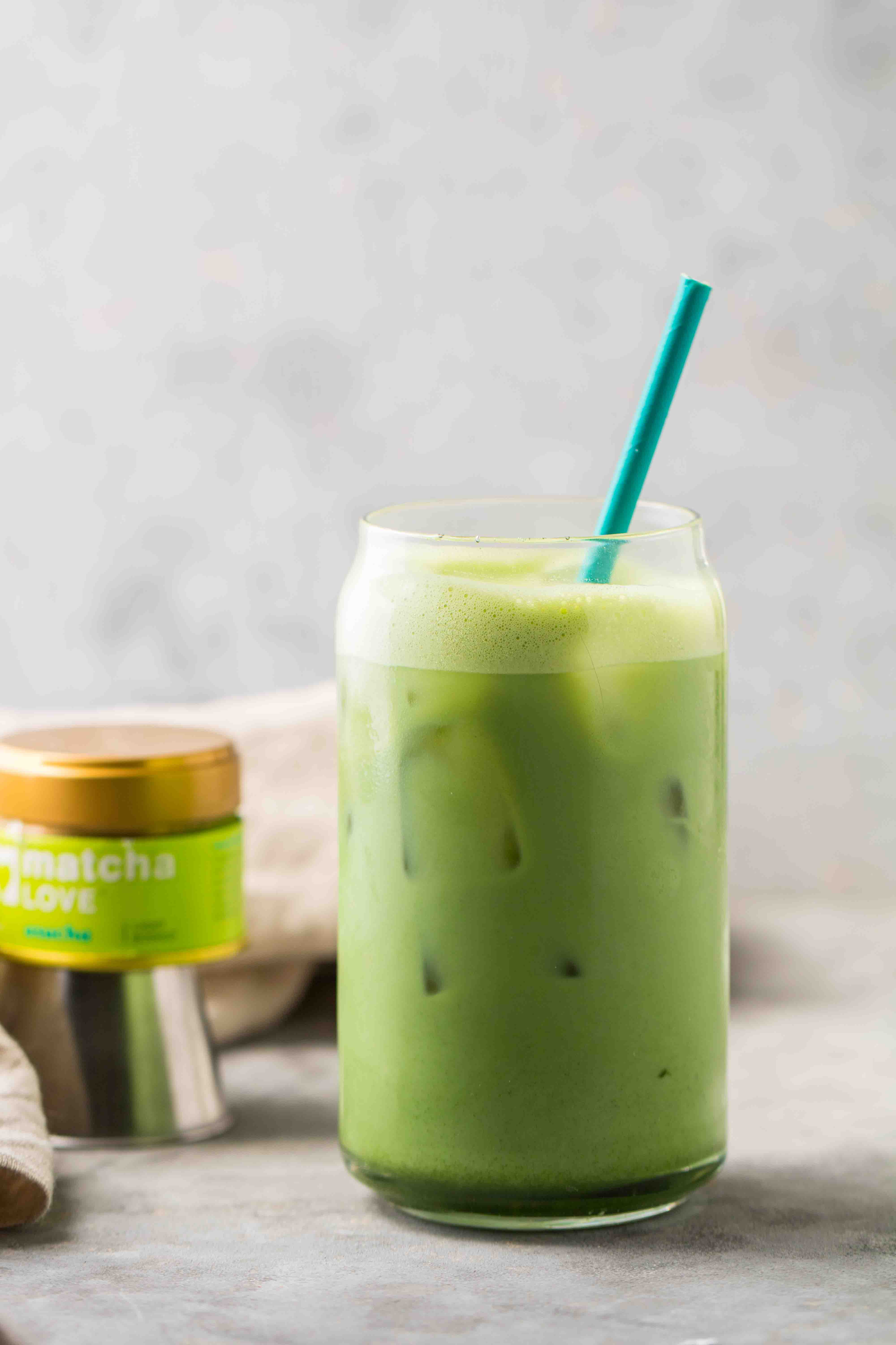 Easy Starbucks matcha latte