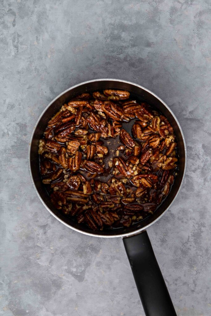 How to make the pecan bar filling