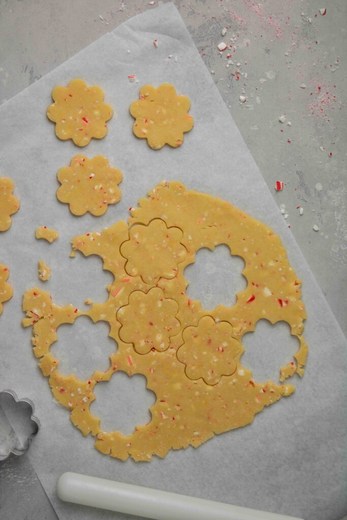 step by step to make candy cane peppermint shortbread