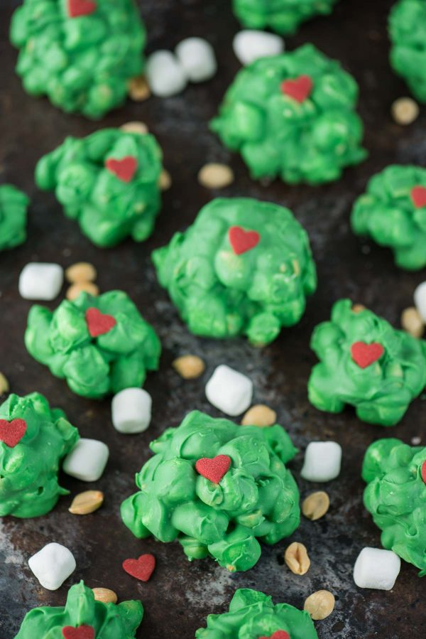 Grinch peanut cluster to make with kids