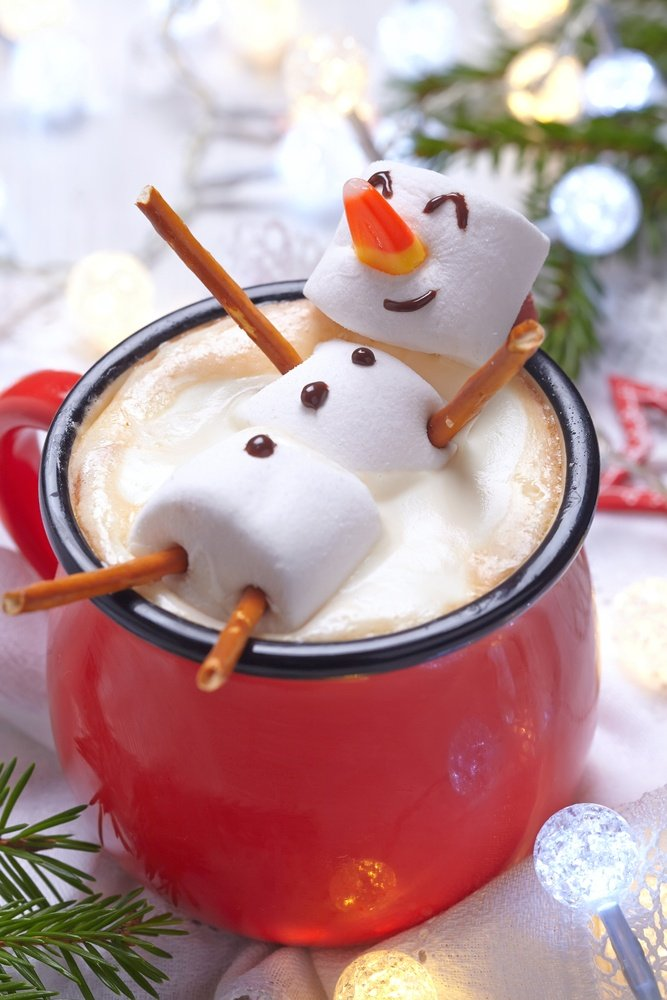 Cute snowman hot chocolate to make with kids
