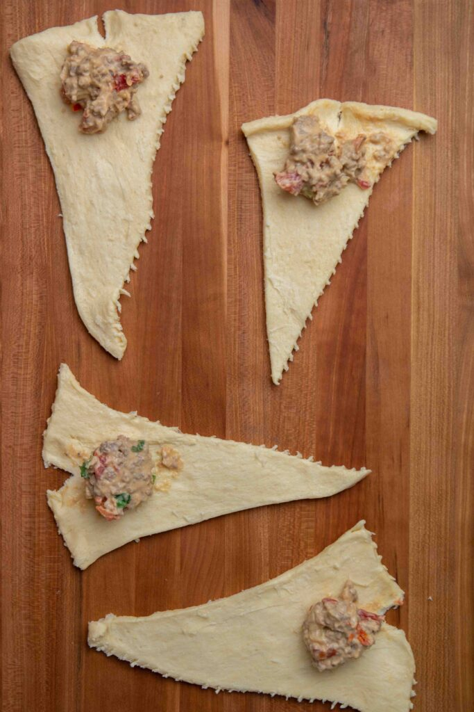 Step by step to make stuffed crescent rolls