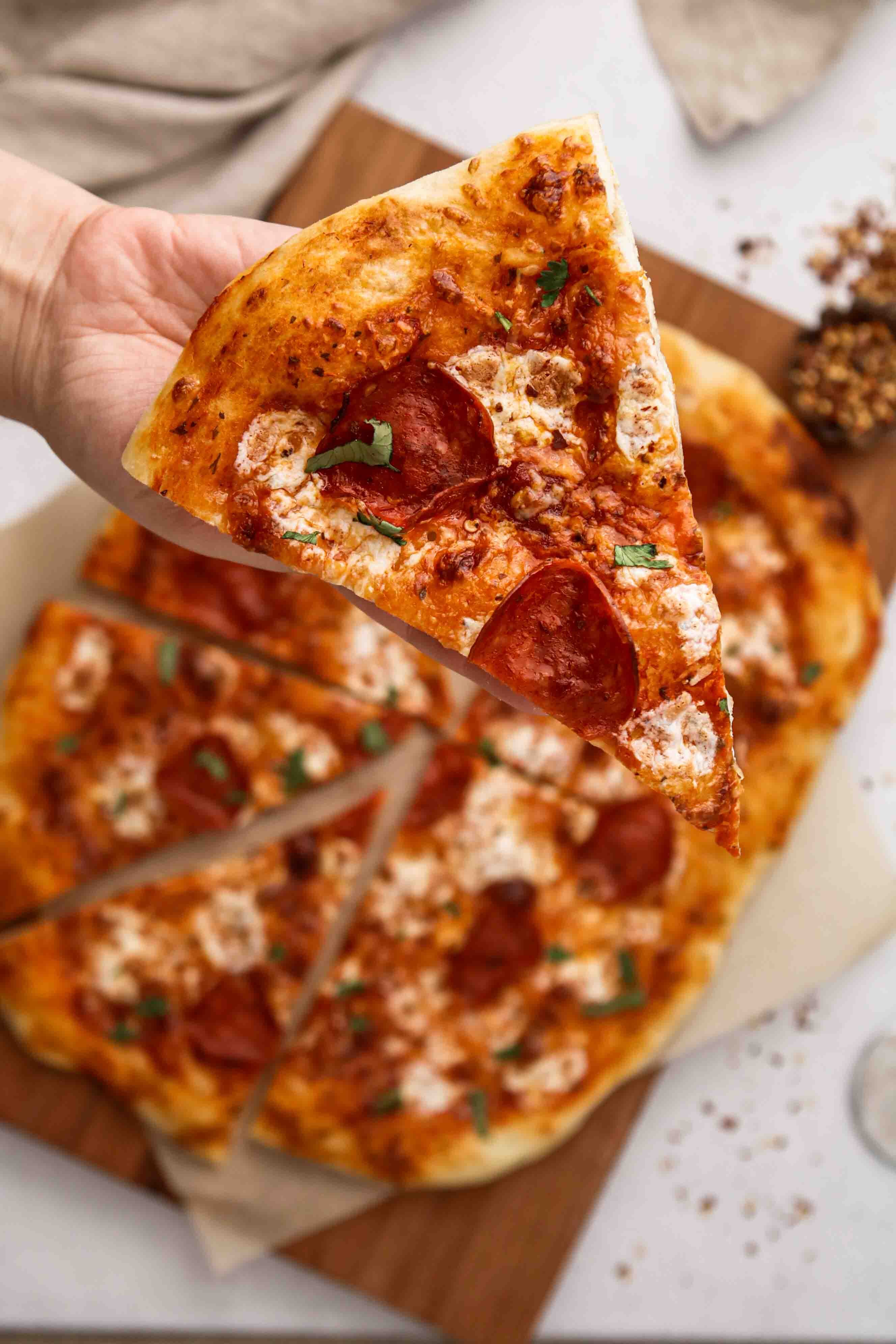 pepperoni pizza with no knead pizza crust