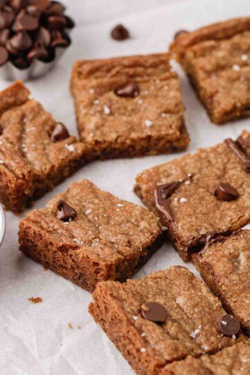 Ooey gooey chocolate chip cookie bars