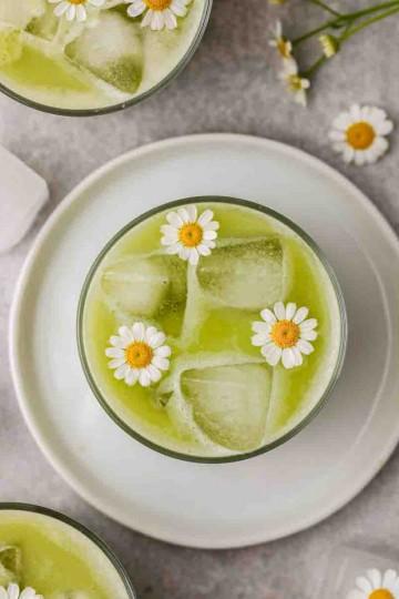 iced pineapple matcha drink recipe