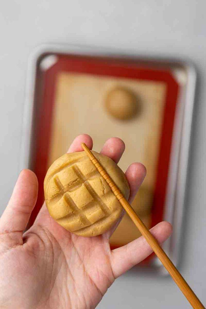 Making waffle design on cookies