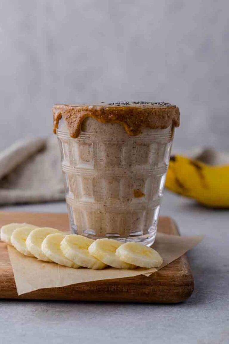 Banana Date Smoothie