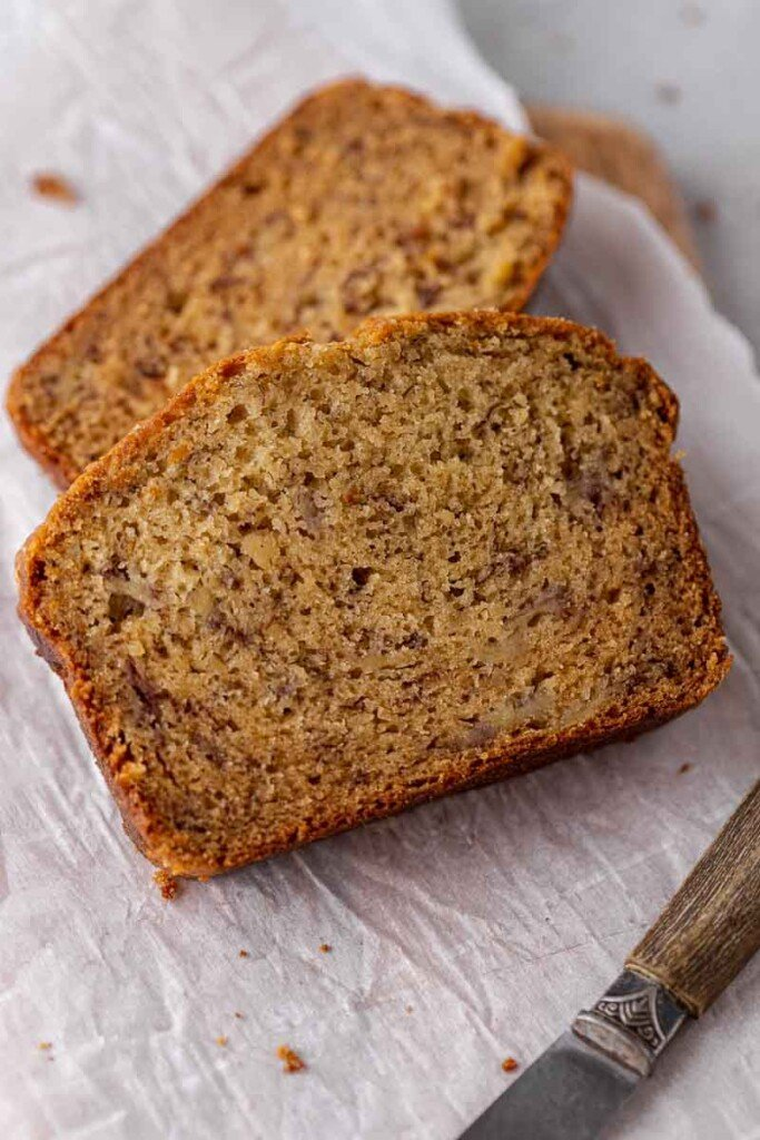 Brown butter banana bread slices