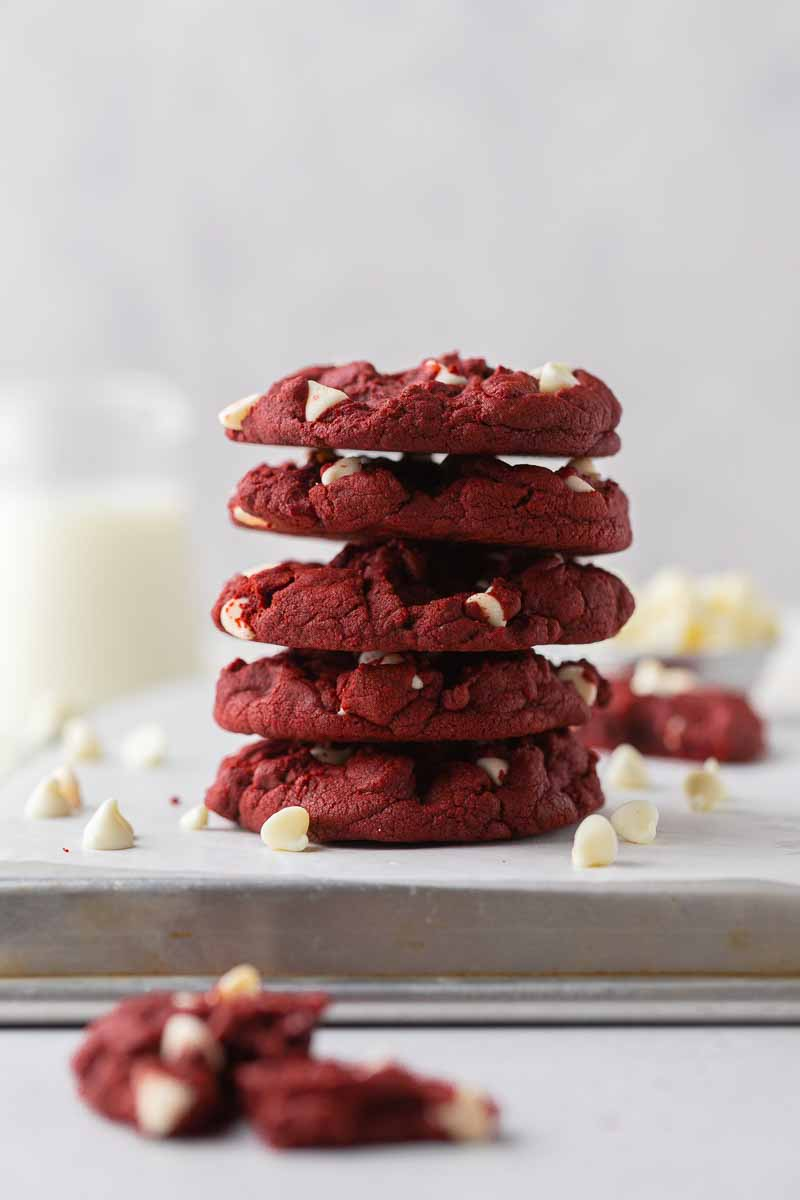 CRUMBL white chocolate chip red velvet cookies