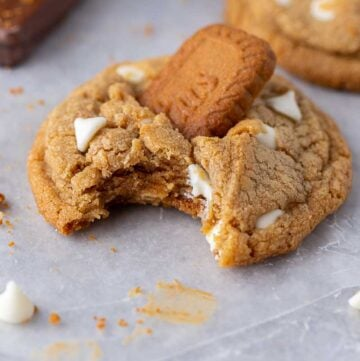 Crumbl Biscoff white chip cookies