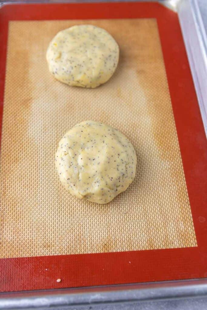 Crumbl lemon poppy seed cookies