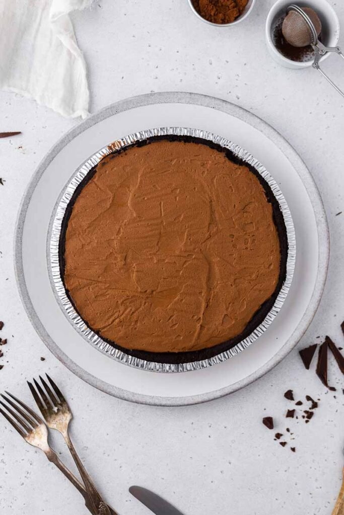 Chilled chocolate pie