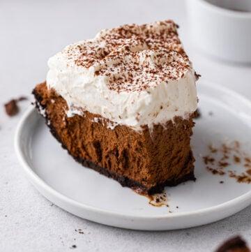 No bake chocolate pie with oreo crust
