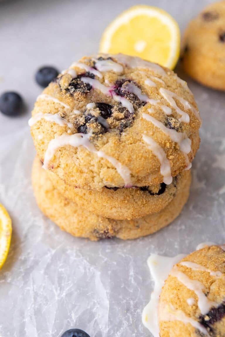 CRUMBL blueberry crumb cake cookies