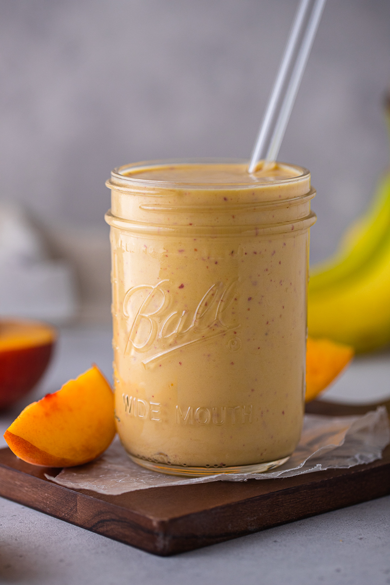 4-ingredient banana peach smoothie