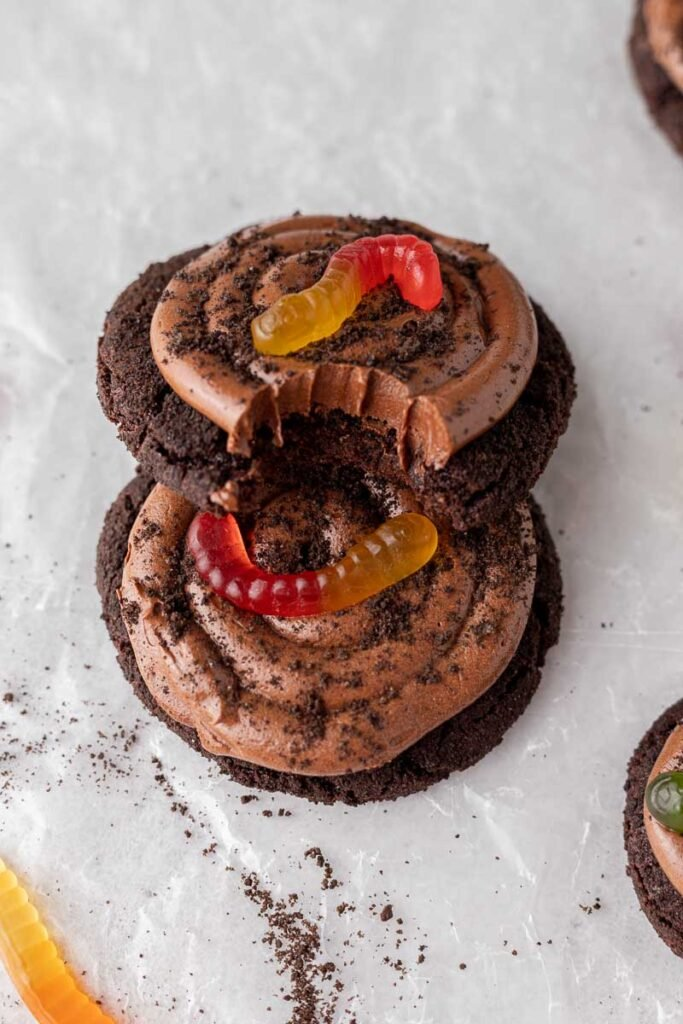 Dirt cake cookies on top of each other