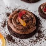 Crumbl dirt cake cookies