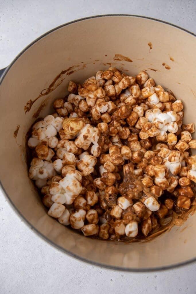 Marshmallows in a heavy duty pot