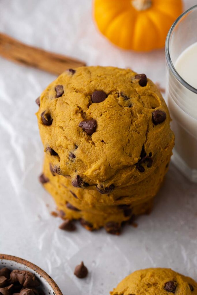 Thick pumpkin chocolate chip cookies