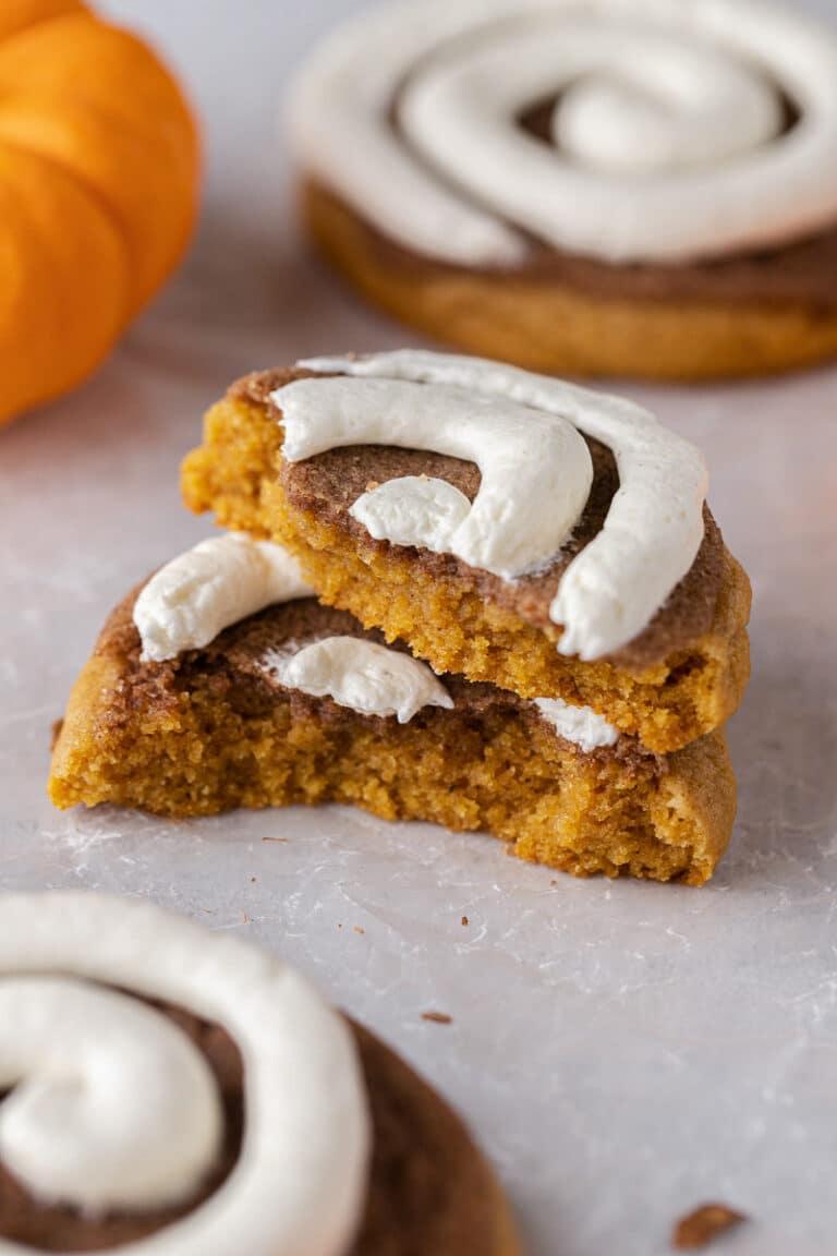 Crumbl pumpkin roll cookies