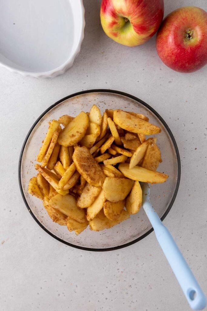 Sliced apples with spices